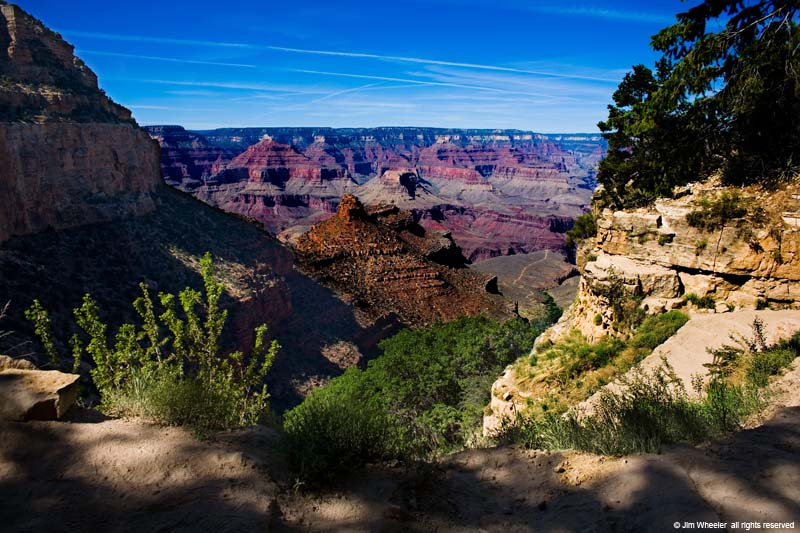 Grand Canyon, Bright Angel Trail, shot @ 6402 feet
